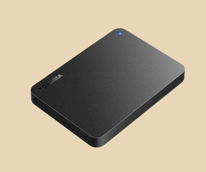 *USB connection attached outside portable HDD 1TB*[ Toshiba Canvio ] as good as new *No.1ANT