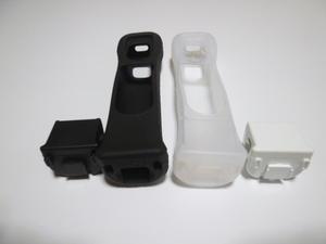M013《送料無料 即日発送》Wii モーションプラス ジャケット 白 黒 ホワイト ブラック(分解洗浄 動作確認済)リモコンカバー