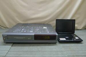 II296 TOSHIBA 東芝 AIVN ビデオデッキ ポータブルDVDプレーヤー2点セット A-D12 RV-7002 7インチ CPRM対応 VHS ジャンク/140