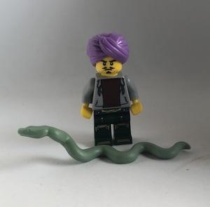 即決 新品 未使用 レゴ LEGO ミニフィギュア ミニフィグ シティ タウン ヒゲ 蛇使い ターバンの男 大蛇 大きなヘビ