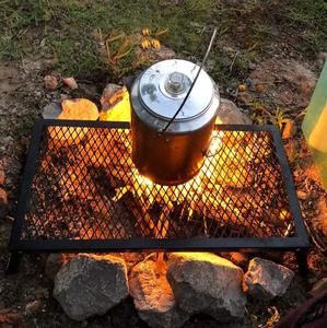 【大型のゴトクのように使える】 折り畳み式 メッシュテーブル 耐熱温度400℃ 直火利用可能 コンパクト収納 キャンプ アウトドア