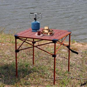 【シックでナチュラルな木目調デザイン】 アウトドア テーブル 折り畳み式 分割デザイン コンパクト収納 キャンプ アウトドア 公園