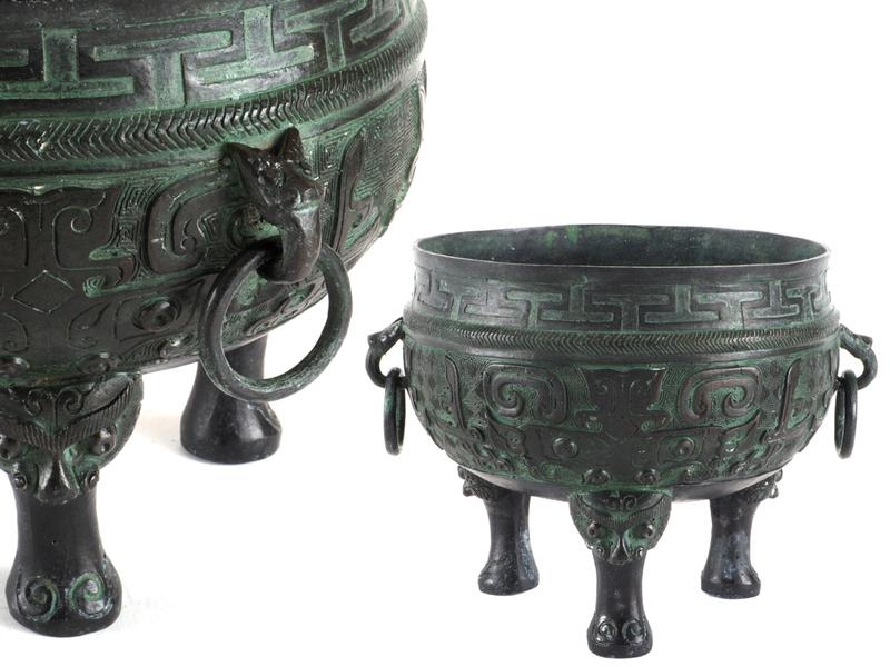 【夢工房】時代 青銅 饕餮紋 遊環耳 三足 煎茶 瓶掛  重さ1.7kg 幅23.5㎝  ZA-157