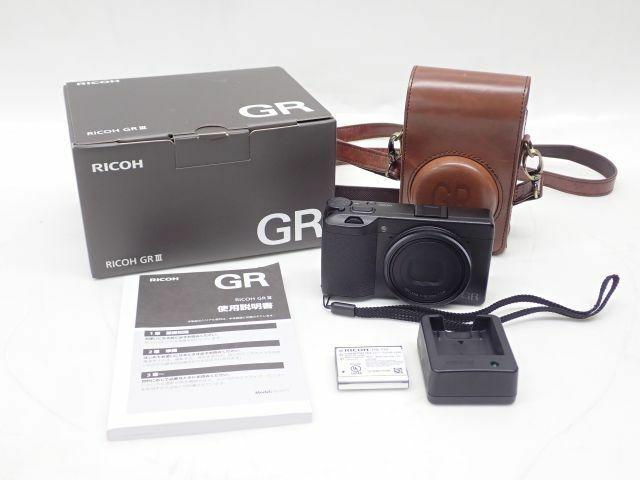【良品】RICOH リコー コンパクトデジタルカメラ GR III コンデジ 元箱/説明書/充電器/バッテリー/革製ケース付 ¶ 630D8-1