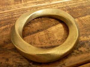 ツイスト マルカン ヒネリ 丸カン 真鍮 無垢 ブラス 42mm レザー ベルト 革 4.2cm リング カスタム キーホルダー レザークラフトに