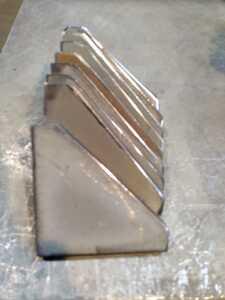 ブラケット 板厚10ミリ 約95x95 10枚セット
