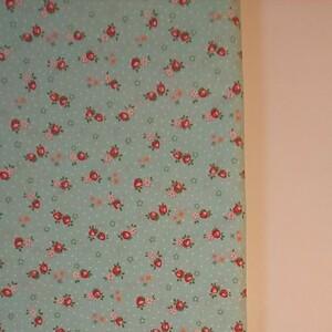 YUWA 松山敦子さん 30's Collection 綿100% ミニいちご柄 ミントグリーン 生地巾約110cm×約50cm