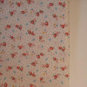 YUWA 松山敦子さん 30's Collection 綿100% ミニいちご柄 ホワイト 生地巾約110cm×約50cm