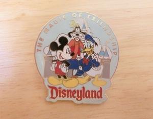 ディズニー ピンバッジ 「ミッキー・ドナルド・グーフィーとお城」 ピンズ Disney  ピンバッチ マウス ダック