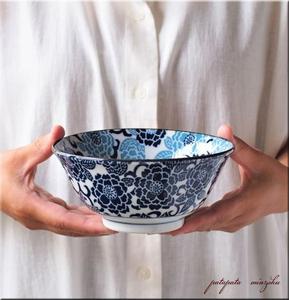 美濃焼 紺青 冬牡丹 4.8寸 多用丼 どんぶり 丼 14.9cm 軽量 丼 磁器 陶器 パタミン カフェ そば うどん ラーメン 和食