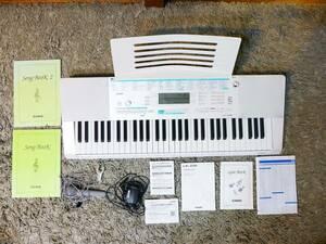 美品 CASIO 光る鍵盤 光ナビゲーションキーボード らくらくモード 61鍵盤 電子ピアノ ホワイト LK-228