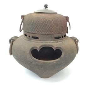 ふるーい茶釜 奈良県の古民家より発掘 古くてサビサビの茶釜ですがいかがでしょうか? 奈良県発 引き取り歓迎(0.E-1)j-21