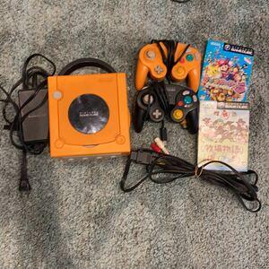ゲームキューブ本体 コントローラー二つ任天堂 Nintendo GAMECUBE ソフト2枚