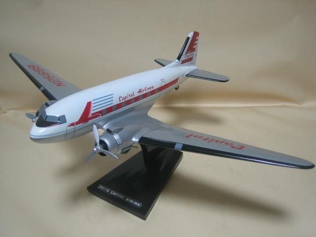 木製ソリッドモデル DC-3 Capital Airline 全長 37cm メーカー/スケール不明 箱なし