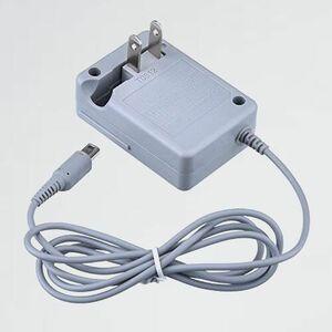 新品 未使用 製 RGEEK 4-FT バッテリ- 充電器 DSi/NDSi / 2DS / 2DS XL/ 3DS / 3DS XL 専用 AC アダプタ-