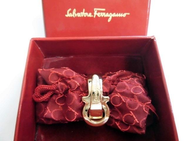 未使用 フェラガモ Salvatore Ferragamo スカーフリング ガンチーニ ゴールドカラー