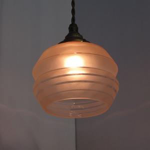 フランスで買い付けた淡いピンクの古いランプシェード AL-2271