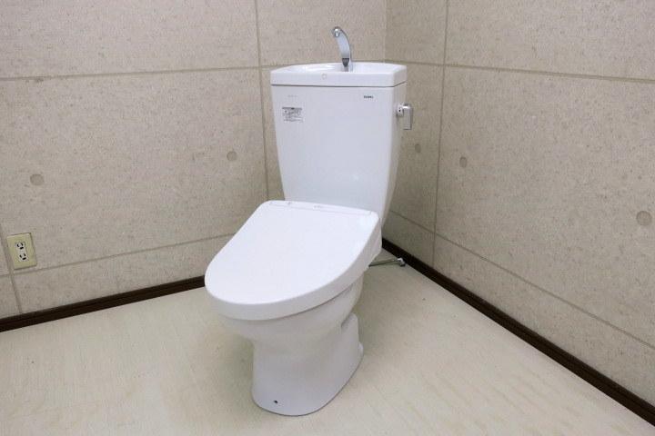 展示品 K322 TOTO ウォシュレット アプリコット F3W/TCF4833R 手洗い付きタンク型トイレ 壁排水 2019年製