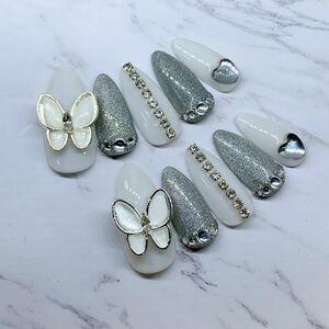 蝶々ネイル 蝶 白 韓国ホワイト 韓国 ネイルチップ