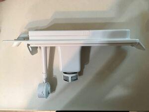 東芝冷蔵庫 製氷機 給水タンク一部品