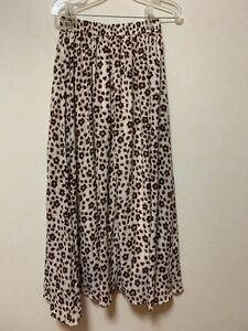 ロングスカート プリーツスカート 花柄 豹柄 水玉 ブラウン フレアスカート ホワイト 白 茶色 柄 紺