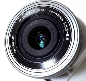■OLYMPUS オリンパス■ M.ZUIKO DIGITAL ED 14-42mm F3.5-5.6 EZ マイクロフォーサーズ パンケーキレンズ ■シルバー 【ほぼ新品 送料込】