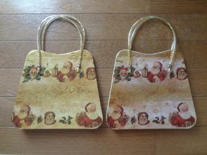 かわいいクリスマス柄の紙袋、2枚セット、ラッピング袋、アンティーク調、サンタクロース、プレゼント、ディスプレイ