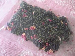台湾茶「白桃烏龍茶」40g (2袋お買上げで送料無料、組合せ購入可)