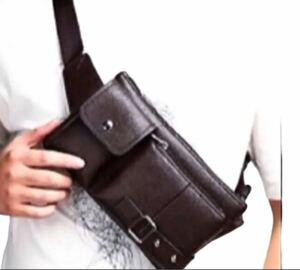 お値下げ多機能革風茶色メンズバッグ メンズボディバッグ ウェストポーチ 新品メンズ鞄
