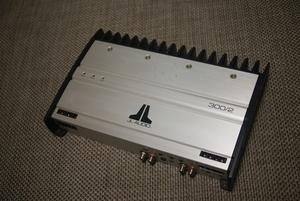 JL Audio 300/2 アンプ中古