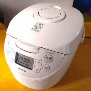 送料無料 マイコン炊飯器 TOSHIBA RC-10MF 2019年製 5.5合炊き 美品 東芝 炊飯器5.5合