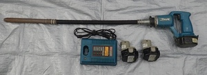 ◎中古 makita マキタ 充電式コンクリートバイブレーター VR250D バッテリー2個 充電器