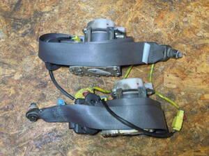 (ジャンク品) スズキ アルトワークス RS-Z HA22S K6A 純正 3ドア用 フロント シートベルト 左右 運転席 助手席 内装 パーツ 検) HA12S 等