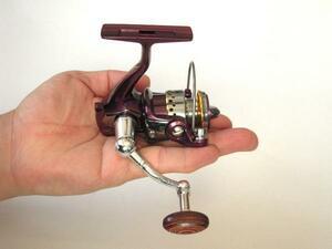 1円スタート! ちょい投げ釣り、サビキ、バス釣り 超小型 高性能スピニングリール*YB20(5BB+1)