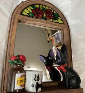 魔女の宅急便 ジジ ミラー 掛け 置き時計 木目調わく×薔薇ガラスステンドグラス 樹脂フィギュア 置物にも カフェインテリアにも