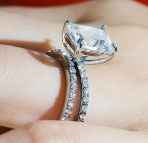 【新品未使用】▲最上級▲ダイヤモンドリング・指輪☆☆必見☆☆《1ct》※プラチナ仕上※