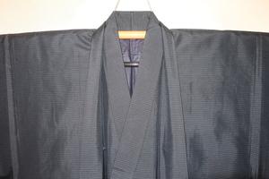 壱木5882 本絹泥藍大島紬男着物羽織 裄68丈143Кシボ付き亀甲格子 美品