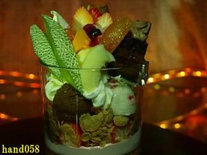食品サンプル フルーツパフェ フルーツケーキパフェ 洋菓子 店舗 ディスプレイ 展示 業務用 除菌清掃済 サイズH約17×14cm