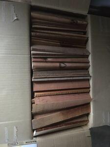 ♪送料無料♪ 焚き付け 薪 針葉樹 約25センチカット バーベキュー 薪ストーブ ソロキャンプ 140サイズいっぱい 17kg