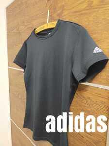 adidas 半袖Tシャツ 黒 ★ドライ★ジム ランニング フィットネス ヨガ★スポーツウエア トップス★アディダス★ブラック★Tシャツ 男女兼用