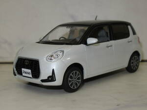 not for sale! Toyota Passo shop front exhibition for 1/30 color sample minicar exhibition goods X99 black mica metallic, pearl white Ⅲ die-cast made MODA exclusive use color