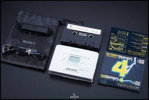 ★極美品・動作〇★ SONY ソニー WALKMAN FM/AM ラジオ付 ポータブルカセットプレーヤー WM-FX833 シルバー