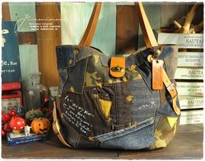 【おでかけバッグ♪】リユースデニムのパッチワーク:ミリタリー:トート:大きめ:バッグ:A4対応:革の持ち手:ハンドメイド