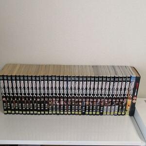 進撃の巨人全巻セット(1~34巻) 特装版缶バッチ付き
