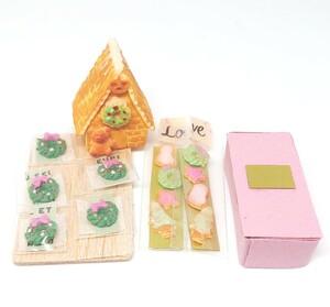 ハンドメイド ミニチュアスイーツ お菓子の家とアイシングクッキー リースクッキーのセット