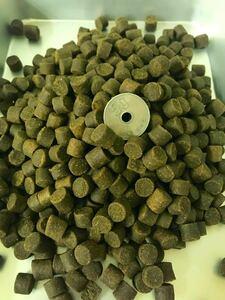 送料無料 チヌ釣りの餌 チヌペレット8㎜ 2kg入り