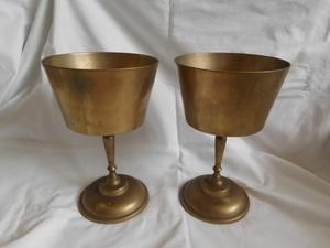 珍品/大きめ真鍮製フラワーベース一対 キャンドルスタンド?/ワイングラス形/花瓶 花生 花活/現状渡し