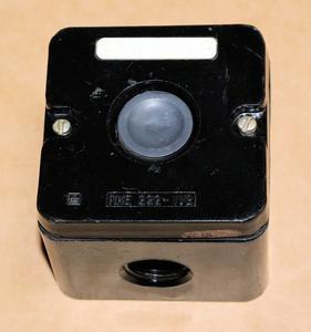 ロシア軍用 スイッチボックス付き 押しボタンSW 交流660V 10A 直流440V10A 未使用品 HAM
