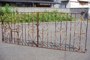 サビサビなアイアン門扉/観音開き▼ゲート柵シャビーフェンスガーデンニングプロガント