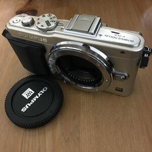 OLYMPUS PEN lite E-PL6 ミラーレス一眼カメラ ボディ ノーチェック、動作不明のジャンク扱いです。